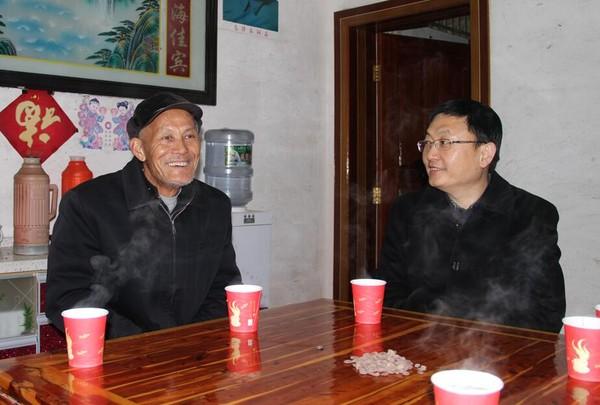 张杰华深入石台县小河镇走访慰问