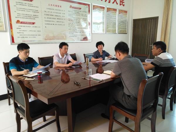 """青阳县委组织部长调研指导村和社区""""两委""""换届选举工作"""