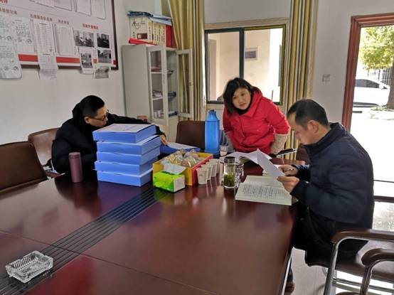 县委非公工委一行到乔木乡督查非公党建工作