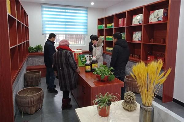 县委组织部对蓉城镇第七批选派帮扶干部开展年度考核