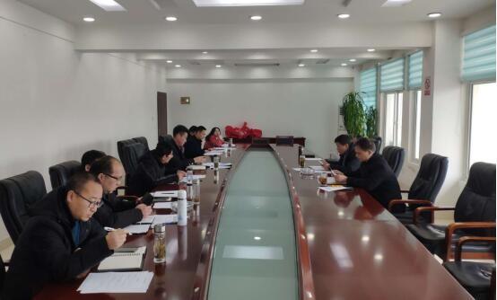 陵阳镇召开党委(扩大)会议学习贯彻县三干会精神
